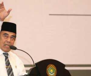 Terkait Cadar dan Celana Cingkrang Fachrul Razi Disemprot DPR