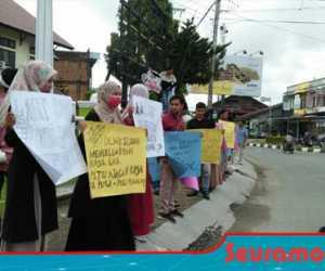 Tak Tepati Janji, Mahasiswa Datangi Gedung DPRK Aceh Barat