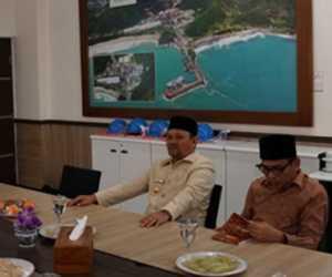 Terkait Tumpahan Batu Bara di Pantai Lhok Nga, Bupati Aceh Besar Datangi Kantor TP SBA