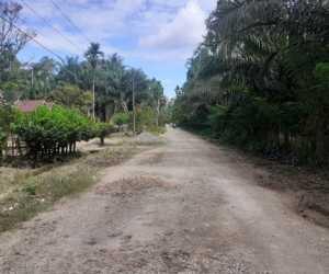Jalan Rusak, Masyarakat Minta Pemkab Nagan Raya Peduli