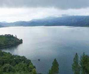 Warga Minta Pemkab Kelola Obyek Wisata Danau Laot Tadu