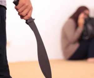 Seorang Suami Tega Bacok Istri Karena Menolak Berhubungan Badan