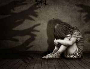 Seorang Istri Di NTB Rekam Suami Saat Perkosa Anak Angkat, Keduanya Diciduk Polisi