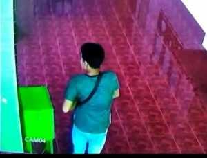 Pencuri Kotak Amal Masjid Terekam CCTV