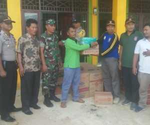 Dinsos Abdya Salurkan Bantuan Untuk Korban Banjir di Babahrot