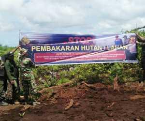 Cegah Karhutla, TNI-Polri Pasang Spanduk Himbauan di Nagan Raya