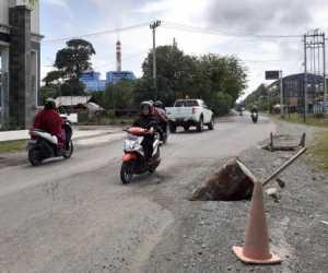 Jalan Nasional di Perbatasan Aceh Barat-Nagan Raya Rusak Parah, Pemerintah di Minta Ambil Sikap