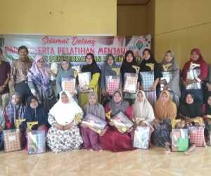 Gampong Meunasah Sukon Gelar Pelatihan Menjahit Bagi Ibu Rumah Tangga