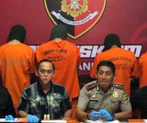 Empat Penjual Batu Delima Palsu, Ditangkap Polresta Banda Aceh