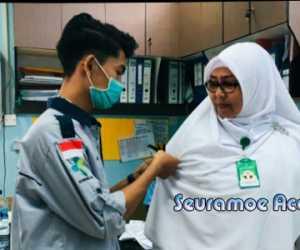 Mahasiswa Aceh Barat Sematkan Pitam Hitam Dilengan Tenaga Kesehatan