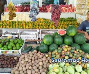 Pedagang dan Pembeli Mengeluh, Harga Buah Impor Naik Tajam