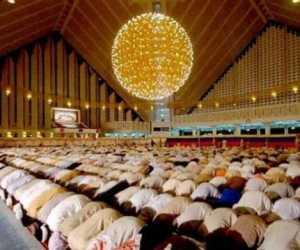 Fadhilah Sholat Tarawih Malam ke-6