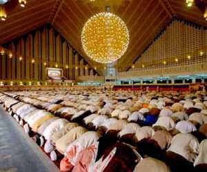 Masyaallah dibalik Sholat Tarawih Malam ke-14, Ternyata Malaikat Menjadi Saksi di Hari Kiamat!