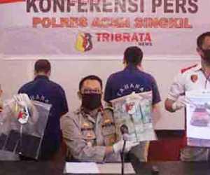 Peras Keuchik Puluhan Juta, Dua oknum Anggota LSM Terjaring OTT Polisi