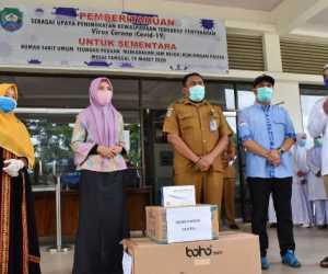 Cegah Covid-19,Dyah Erti Idawati Sumbangkan APD Untuk RSUTP Abdya