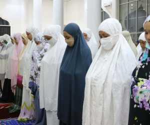 Keutamaan Tarawih Malam ke-29, Seperti Pahala Seribu Kali Ibadah Haji