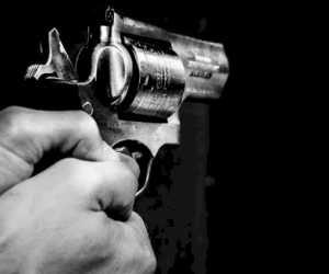 """Toke Sawit Tembak Temannya Hingga Tewas, Hanya Gara-gara """"Power Bank"""" Hilang"""