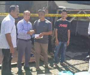 Korban Kebakaran Terima Bantuan dari PemkabAbdya dan Bank Aceh Syariah Blangpidie
