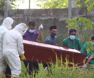 Kisah Polisi Aceh Ikut Proses Pemakaman Pasien Corona yang Ditolak Warga