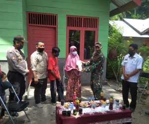 Didampingi Relawan, Dandim 0105 Aceh Barat Serahkan Rumah Layak Huni