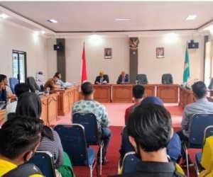 Mahasiswa Dan Masyarakat Datangi Gedung DPRK Nagan Raya