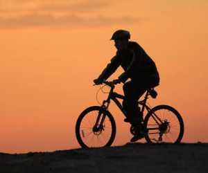 Kesel Suami Gowes Hingga Lupa Waktu, Istri Niat Jual Sepeda dengan Harga 45 Juta