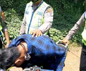 Waduh! Gegara Ditilang Polisi, Pria Ini Pura-pura Kesurupan