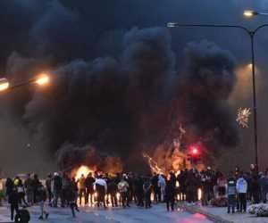Aksi Demo Berujung Perobekan Al-Qur'an