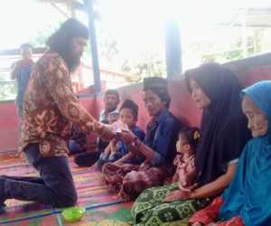 Satu Keluarga Asal Nias Sumatera Utara Masuk Islam di Nagan Raya