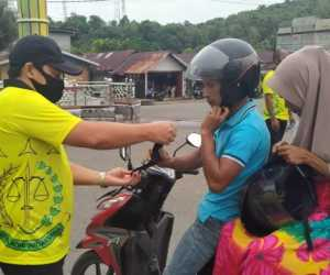 Cegah Corona, Kejaksaan Negeri Aceh Jaya Bagi-Bagi Masker Gratis