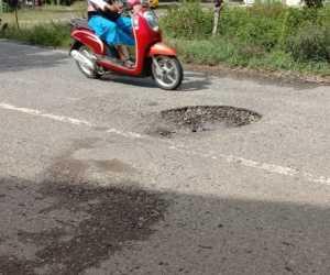 Badan Jalan Nasional di Guhang Berlobang