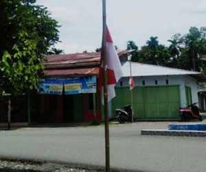Peringati G30 S PKI Warga Nagan Raya Kibarkan Bendera Setengah Tiang