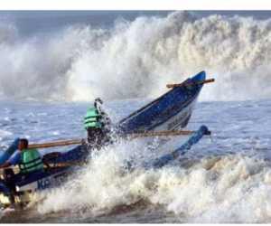 Diterjang Badai Dua Nelayan Aceh Barat Hilang di Laut