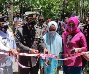 HUT TNI Ke 75, Dandim 0110 Abdya Serahkan Bantuan Rumah Untuk Nek Juriah