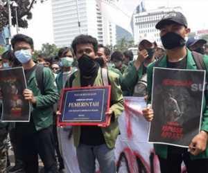 Enam Tahun Berkuasa, Ini Foto Piagam Kegagalan untuk Jokowi