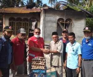 PMI Abdya Salurkan Bantuan Untuk Korban Kebakaran