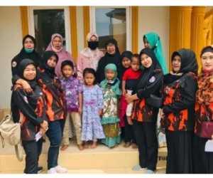 Srikandi MPC Pemuda Pancasila Aceh Selatan Santuni Anak Yatim