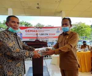 Pemerintah Aceh Salurkan Ribuan Masker Untuk Siswa Abdya