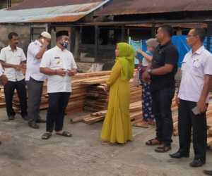Pemkab Aceh Jaya Serahkan Bantuan Material Pembangunan Kepada Korban Kebakaran