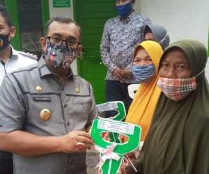 Dapat Rumah Layak Huni, Neknuh : Terima Kasih Pemerintah Kabupaten Aceh Jaya