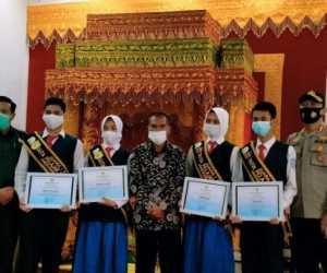 Empat Pelajar Ukir Prestasi di Ajang Duta Khamtibmas dan Sadar Hukum