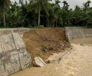 Belum Lama Selesai, Bangunan Senilai Rp 11 Miliar Ambruk dan Retak-Retak