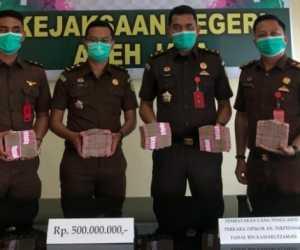 Kajari Terima Pembayaran Uang Pengganti dari Terpidana Korupsi Disdik Aceh Jaya