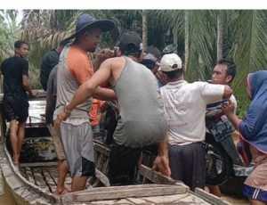 Dikepung Banjir, Puluhan warga Aceh Tamiang mengungsi