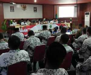 Bupati Aceh Jaya Larang Guru Berpolitik Praktis