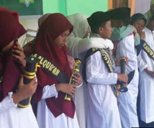 Sekolah Negeri Dilarang Paksa Pakai Seragam Beratribut Agama