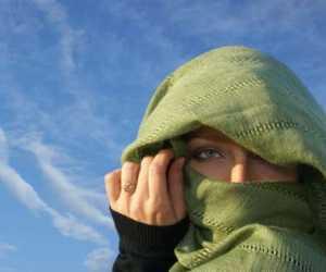 Saat ke Kampus, Mahasiswi AS Ini Memakai Burka Bukan Masker