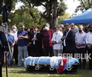 Pemakaman Eks Presiden Argentina Diringi Lantunan Al-Quran