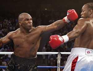 Seru! Lennox Lewis Siap Duel Ulang Lawan Mike Tyson