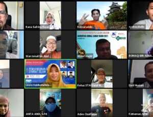 Hadirkan Guru Besar UnisZA Malaysia, STAI Darul Hikmah Gelar Webdinas Internasional